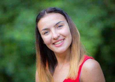Cieślak Milena – absolwentka wychowania fizycznego Państwowej Wyższej Szkoły Zawodowej w Kaliszu. Jej pasją jest taniec. Uczestników swoich zajęć zaraża pozytywną energią. Zawsze uśmiechnięta, dynamiczna i żywiołowa.