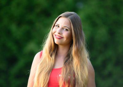 Next  Jasieniecka Olga - absolwentka pedagogiki i animacji kultury UZ. W wolnych chwilach podróżuje i zgłębia psychologię. Jej drugą pasją jest szeroko rozumiana sztuka i wyrażanie siebie poprzez teksty, film, obraz, fotografię, muzykę. W pracy skupia się przede wszystkim na integracji grupy i dobrej zabawie. Twórcza, ambitna i uśmiechnięta.