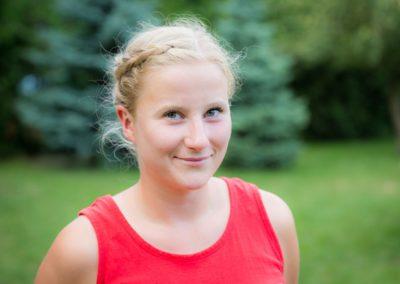 Jamnicka Maria – absolwentka wychowania fizycznego PWSZ w Kaliszu, studentka AWF we Wrocławiu. Wielka miłośniczka aktywnego trybu życia oraz zdrowego odżywiania. Największą nagrodą i satysfakcją za pracę, jaką wykonuje jest dla niej uśmiech każdego maluszka.