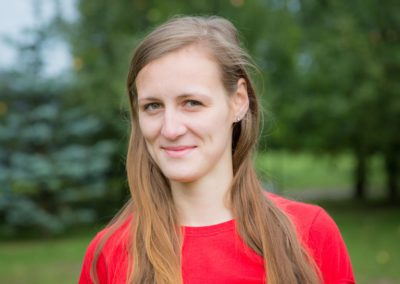 Majcher Klaudia – absolwentka fizjoterapii, studentka wychowania fizycznego AWF w Białej Podlaskiej. Uwielbia pływać, jeździć na nartach, kocha też windsurfing i gimnastykę. Jest osobą dynamiczną, zaangażowaną i radosną.
