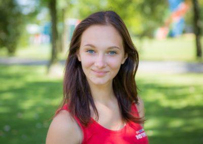 Trzaska Aldona – studentka PWSIiP w Łomży. Od kilku lat bierze czynny udział w akcjach charytatywnych. Lubi podróże i wyzwania. Jej pasją jest praca z dziećmi. Od 9 lat działa w Związku Harcerstwa Polskiego, co rozbudziło w niej zamiłowanie do mundurów.